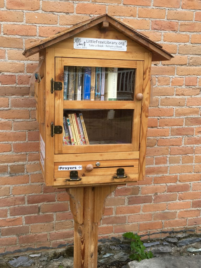 Book Exchange in Bigfork Montana @montanahappy.com