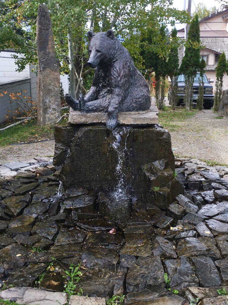 Bear fountain in Bigfork Montana @montanahappy.com