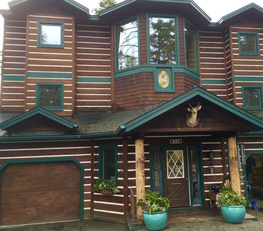 Log Cabin Home in Whitefish Montana