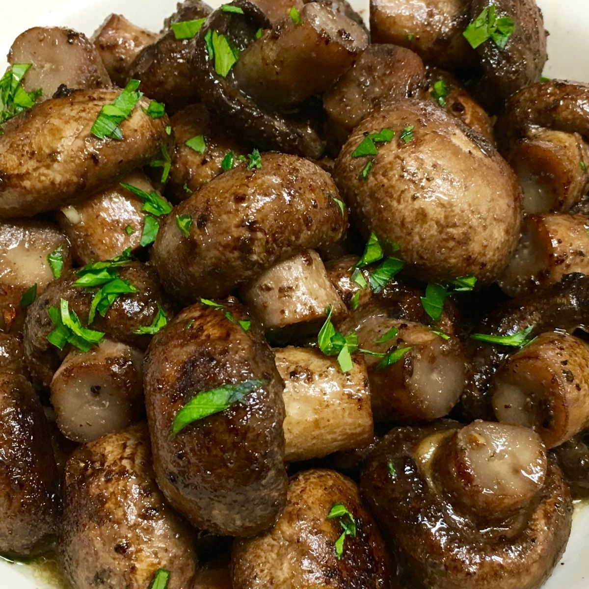 Recipe for Sautéed Mushrooms with minced parsley