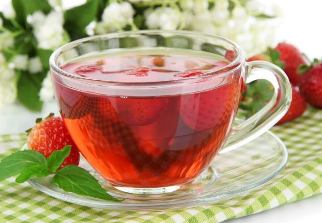Strawberry leaf tea from the tea garden
