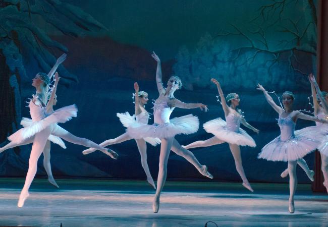Hygge Christmas ballet