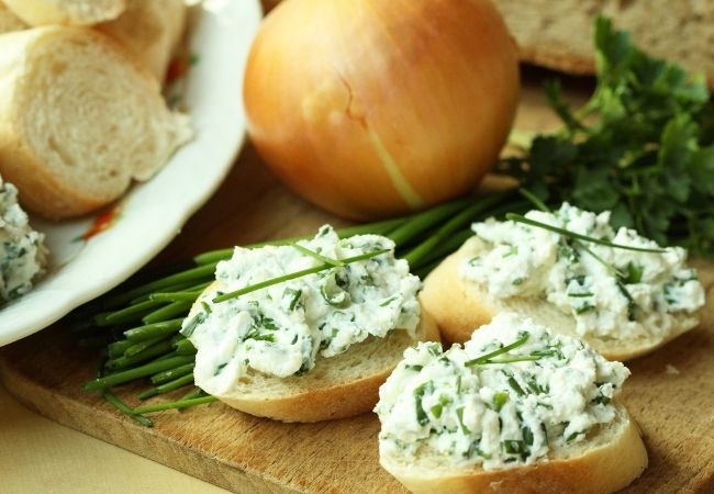 Chive cream cheese topped bread
