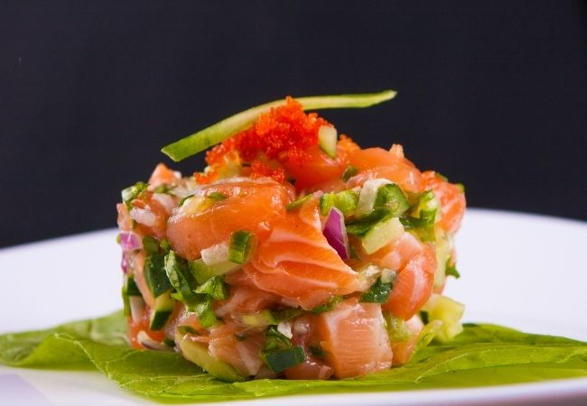 Minced chives with salmon