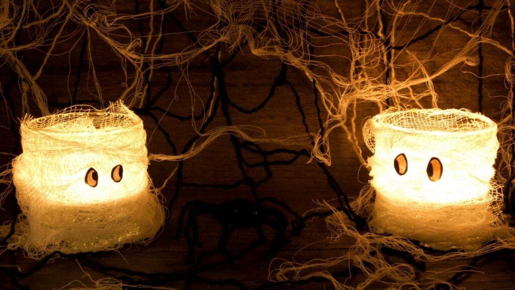 Halloween Decor Ideas - Mummy Candles