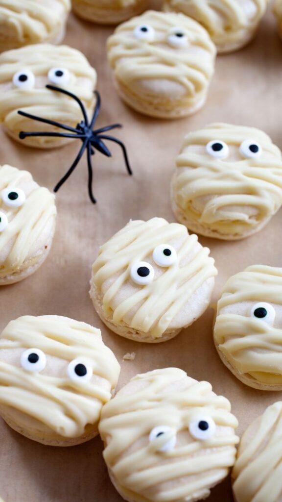 Homemade Halloween Mummy Macaroons