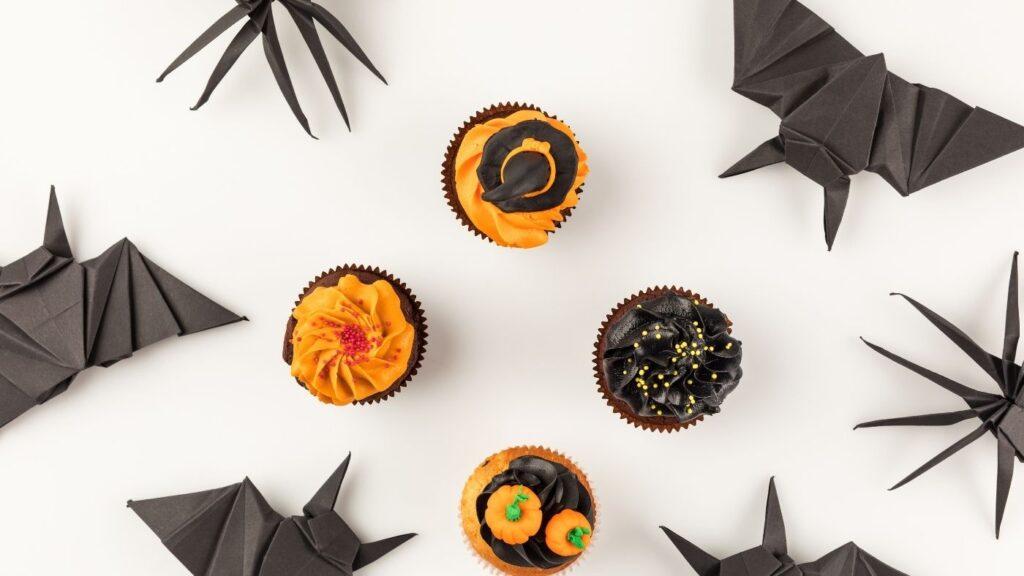 Ideas for Halloween Decor - Origami bats